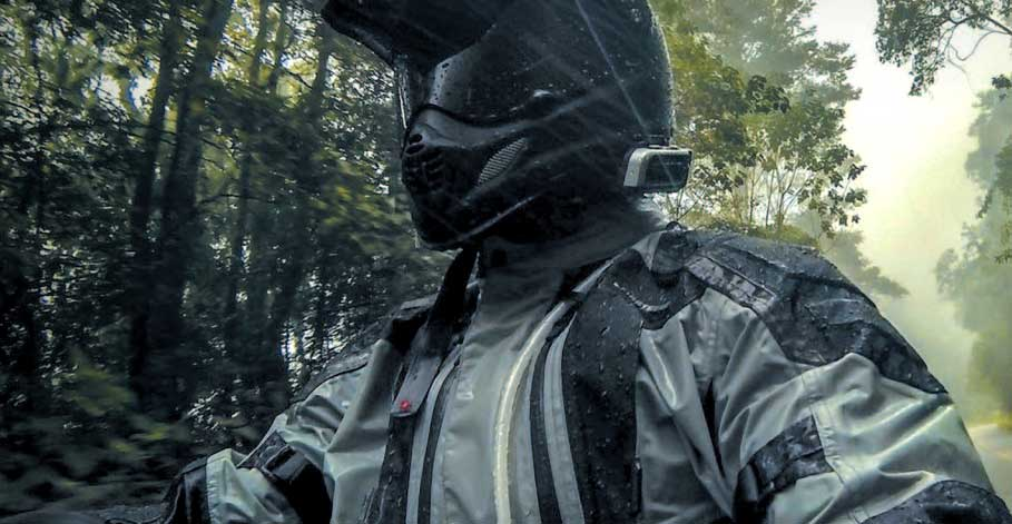 motorcycle-rain-gear-2